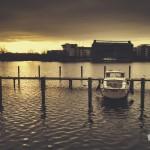 Berlin ist auch eine Stadt des Wassers, dank Spree und Havel. Hier die Rummelsburger Bucht, seitlich der Spree.